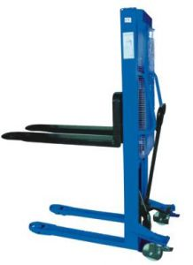 Straddle Leg Semi Electric Stacker