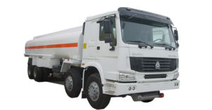 HOWO Heavy Duty 8X4 Fuel Tank Truck with ISO Certificate pictures & photos