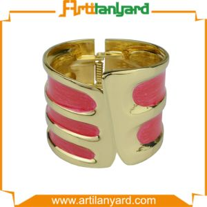 Customer Design Metal Bracelet with Gift Jewellery pictures & photos