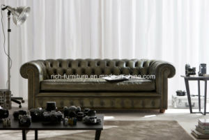 Chesterfield European Style Vintage Leather Sofa for Living Room pictures & photos