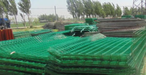 PVC Coated Welded Wire Mesh Fence with ISO pictures & photos