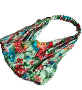 Soft Cotton with Beautiful Printings Bandanas pictures & photos