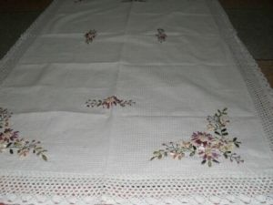 DPF 100% Cotton Embroidered Table Cloth pictures & photos