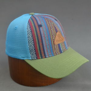 6-Panel Mesh Back Basebll Hat Fitted Cap with Embossed Logo pictures & photos