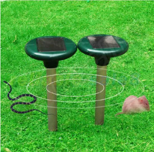 Outdoor Ultrasonic Waves Pulse Solar Power Garden Pest Rodent Snake Repeller pictures & photos