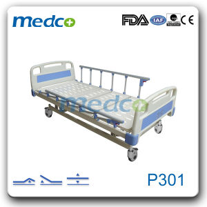 Ce ISO Electric Hospital Beds with Cross Brake Wheels pictures & photos