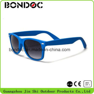 Fashion High Quality UV400 Protection Sunglasses pictures & photos