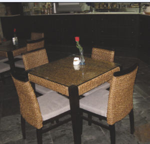 Restaurant Furniture with 4 Seats and 1 Table pictures & photos