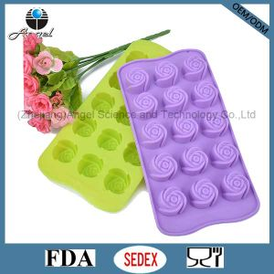 15-Cavity Rose Shape Cake Silicone Mold Baking Pan Sc36 pictures & photos