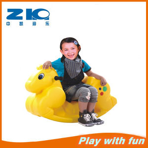 2015 China East Newly Cheap Small Plastic Animal Horse Spring Ride for Sale Zk029-6 pictures & photos