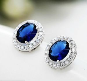 Fashion Inlaid Anti-Allergy Silver Earrings Jewelry pictures & photos
