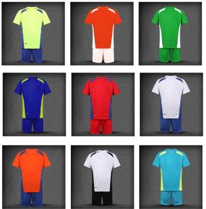 2016 OEM Hot Sale Crew Neck Color Discount Men′s Training Suit pictures & photos