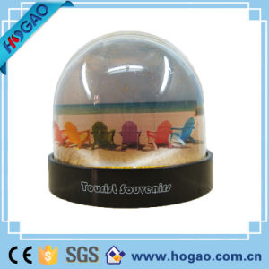 Plastic Photo Snow Dome with Polyresin Car Inside (HG-005) pictures & photos