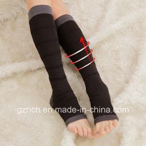Sleep Stovepipe Socks/Burn Fat Varicose Veins Compression Sleeve Socks pictures & photos