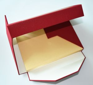 Low Price Packaging Box Gift Box Paper Box High Quality pictures & photos