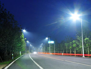 Double Lamps Solar Powered LED Street Lights with Pole for Road Path Garden Square pictures & photos