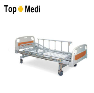 Topmedi Hospital Furniture Manual Steel Hospital Bed pictures & photos