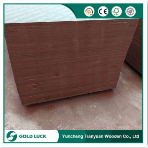 Poplar Plywood with Double Sided Brown Phenolic Foil pictures & photos