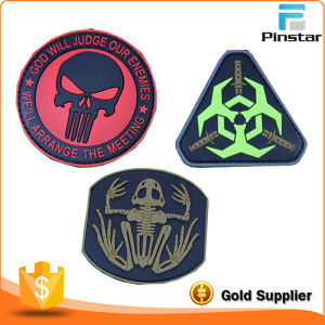 High Quality Garment Customize Soft PVC Rubber 3D Magic Tape Patch pictures & photos