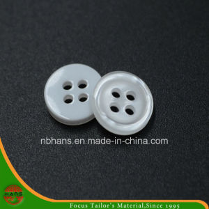 4 Holes New Design Polyester Shirt Button (S-117) pictures & photos