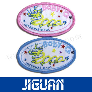 Cheap Custom Hot Selling Free Design Custom Jeans Woven Label pictures & photos