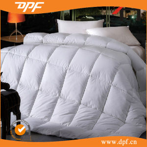 Reversible Down Alternative Quilted Comforter with Corner Duvet Tabs -King pictures & photos