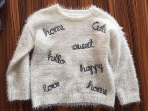 Girls Chain Tape Emb Jumper - Feather Yarn Knitted Sweater pictures & photos