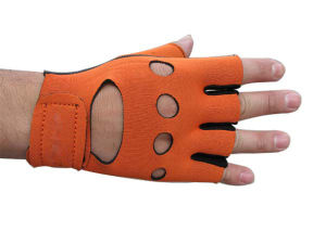 Cut-Half Finger Neoprene Sports Support Gloves (SG-005) pictures & photos
