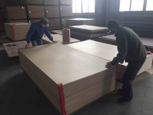 Natural Veneer MDF One Side or Two Sides pictures & photos