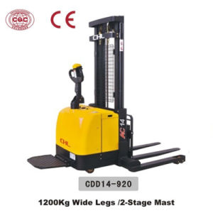 1.4 Ton Good Reach Stacker Price with Wide Legs (CDD14-920) pictures & photos