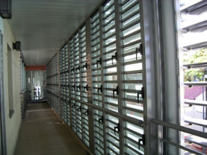 Clear and Tinted Float Louver Glass Patterned Louver Glass for Windows/Bathroom/Decoration Glass pictures & photos