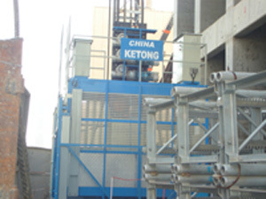 High Speed Construction Hoist (SC200/200TD) pictures & photos