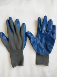 13G Polyester Shell Nitrile Coated Safety Work Gloves (N6013) pictures & photos