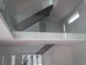 Factory Advertisement Nail Guardrail Stair Glass Railing Prices House Decoration pictures & photos