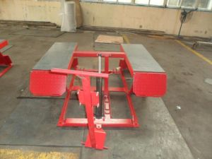 Portable Scissor Lift with Manual Lock Release pictures & photos
