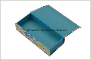 Customized Cardboard Paper Gift Necklace Box with PVC Window pictures & photos