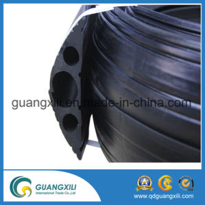 Outdoor Safety 3 Channels Rubber Cable Protector pictures & photos