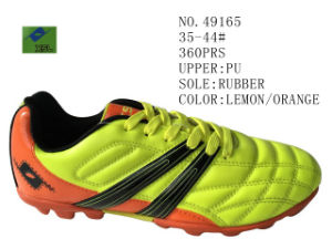 No. 49165 Couple Size Soccer Stock Shoes pictures & photos