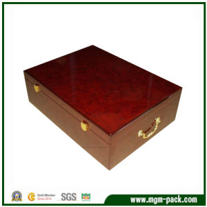 Luxury Painted Red Wooden Wine Box with Metal Handle pictures & photos