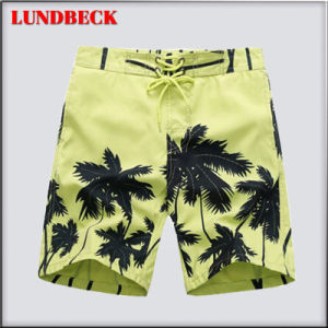 Fashion Shorts for Men in Good Quality pictures & photos