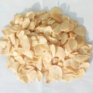 Factory Supply 2016 New Dehydrated Garlic Flakes pictures & photos