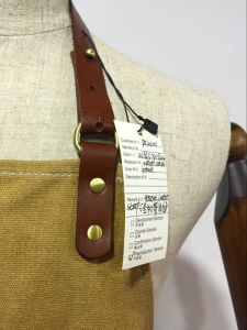 Custom Heavy Duty Waterproof Waxed Canvas Work Apron with Leather Straps pictures & photos