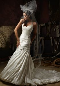 Popular Crystals Bridal Gowns (WMA005) pictures & photos