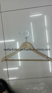 High Quality Cheap Wooden Hangers and Hotel Hangers with Ring pictures & photos