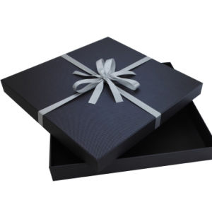 High Quality Custom Paper Gift Box with Silk Ribbon pictures & photos