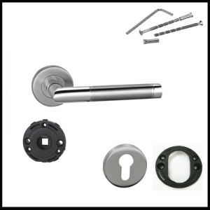 China Factory Hot Sales Stainless Steel Door Lever Hardware pictures & photos