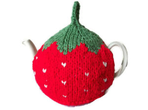 Hand Knit Tea Cozy Cosy with Crocheted Flowers pictures & photos