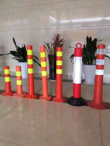 Reflective Delineator Traffic Bollards Flexible Post pictures & photos