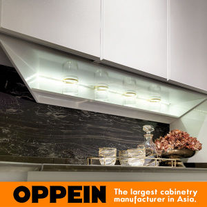 Oppein Modern High Gloss White HPL Lacquer Wooden Kitchen Cabinet (OP16-117) pictures & photos