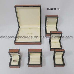 Top Quality Brown Elegant Wooden Jewelry Packaging Set Box pictures & photos